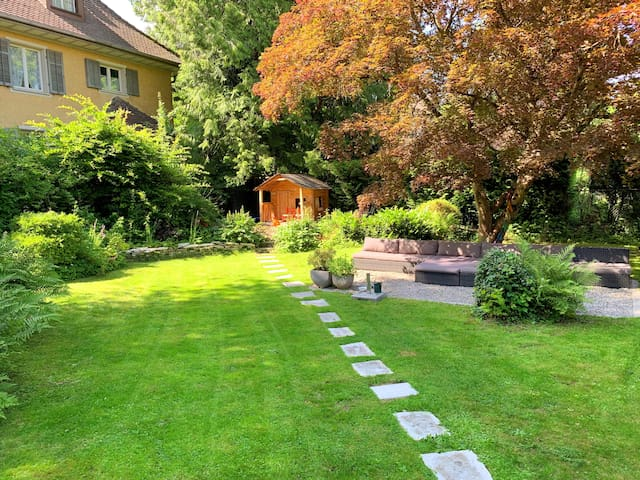 Beautiful flat with a garden close to Zurich
