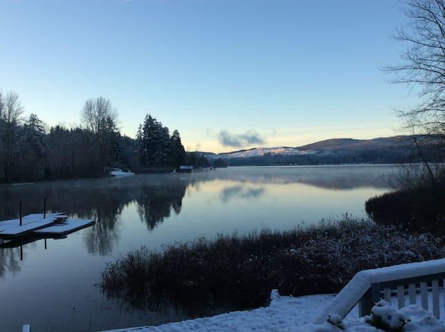 Majestic Lake Front House - Shawnigan Lake - Casa