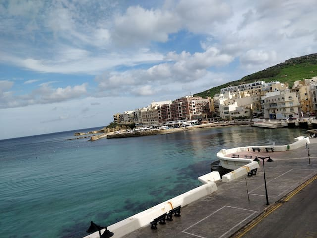 Central Seafront 2 Bedroom Apartment.