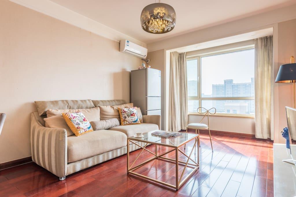 漂亮的客厅舒适的沙发