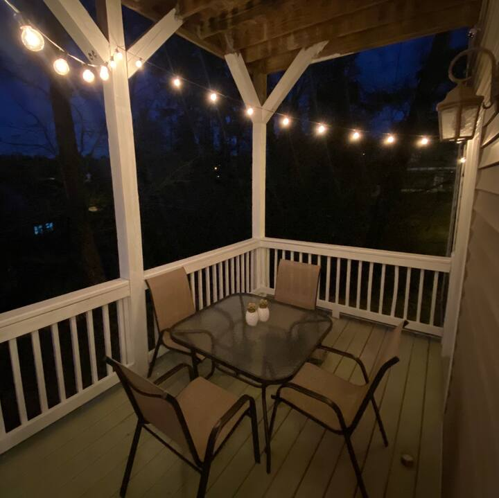 Charleston Style Home w/ privacy near Downtown!