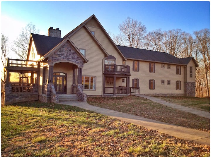 The Hiding Place - Sleeps 24 ; 1 hr from Nashville