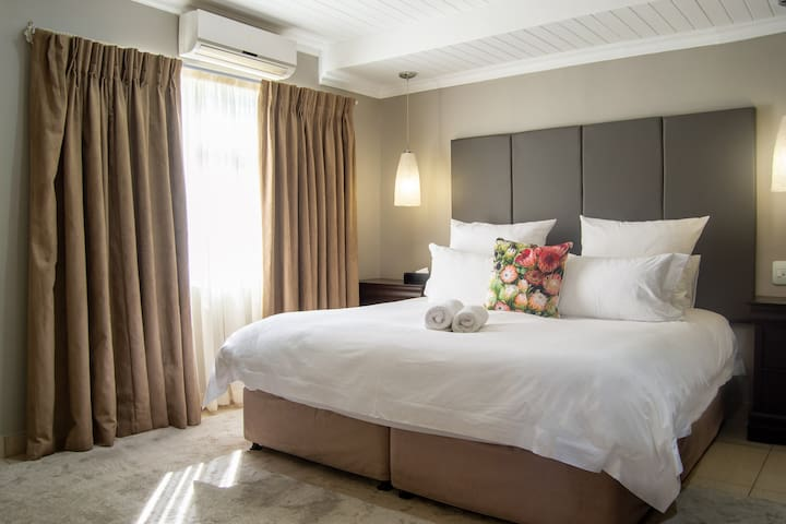Executive Suite 210 @ Ruslamere Hotel & Residence