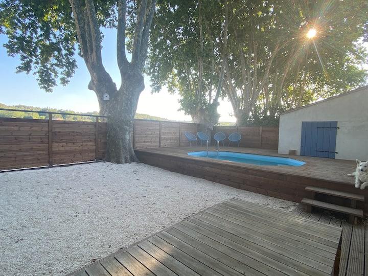 Gite avec piscine pour 8p entre Avignon et Uzès