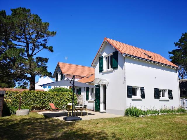 Maison entièrement rénovée à 50m de la plage