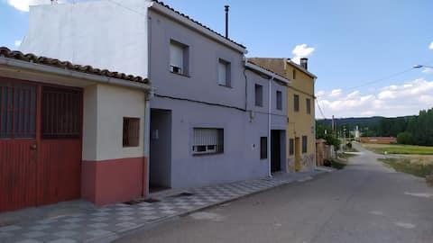 Casa en Zarzuela, ideal para vosotros.