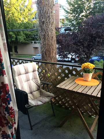 Spacious Point Grey 1 Bedroom - Vancouver