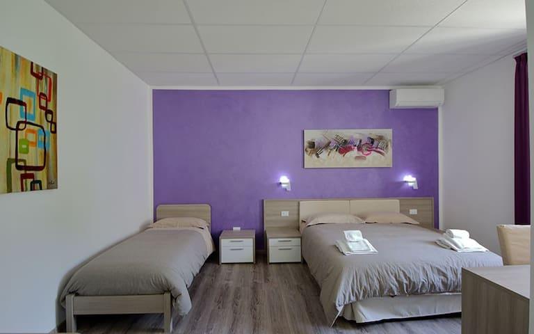 Nidi di Feo - Luxury B&B - PURPLE ROOM - Lecce - Bed & Breakfast