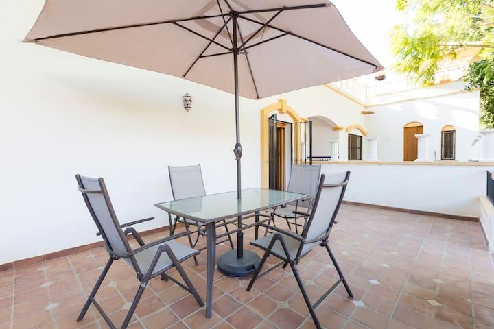 Casita Las Eras en lujosa Villa con piscina