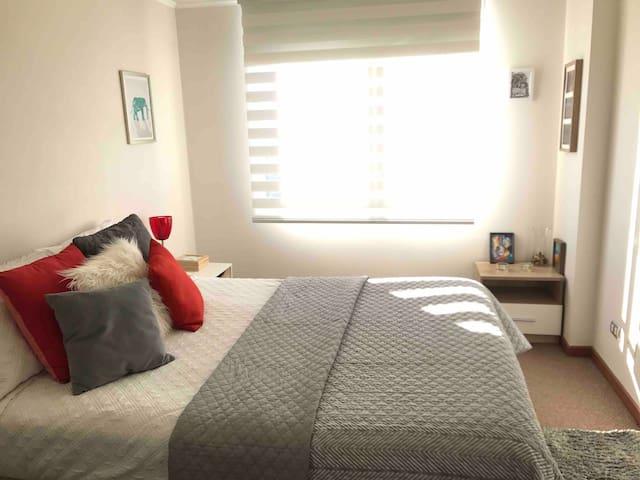Cozy Apartment! Great View 5* Wifi Parking Netflix