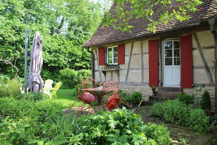 Authentique maison alsacienne dans cadre verdoyant