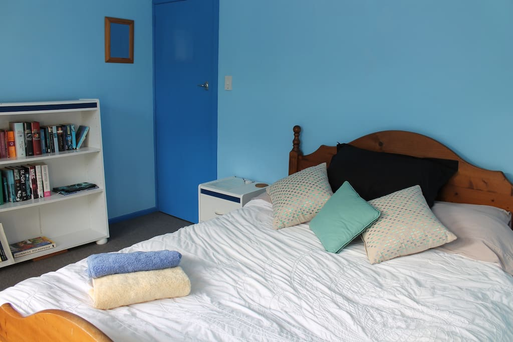 Sunny, spacious double bedroom