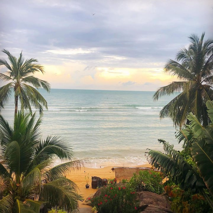 Beachfront Seaview 2BR Apartment with Private Pool
