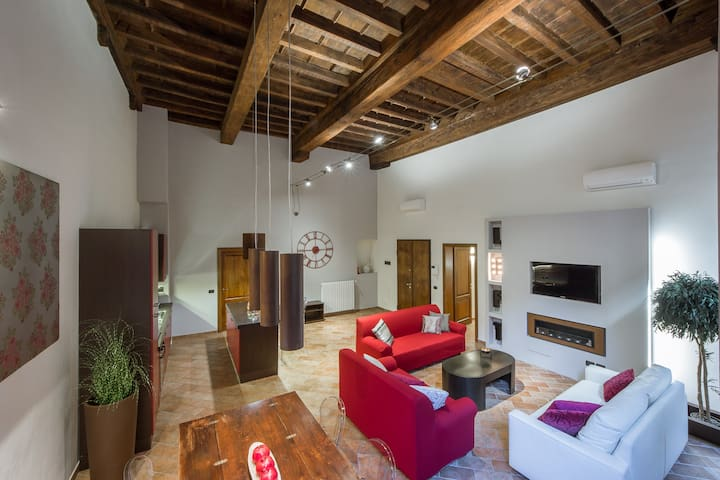 Best located 2BD - Up to 6 people  - Florencia - Apartamento