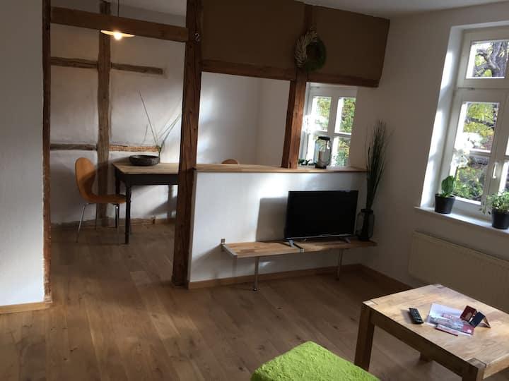 Apartment-Klassisch-Eigenes Badezimmer-W4