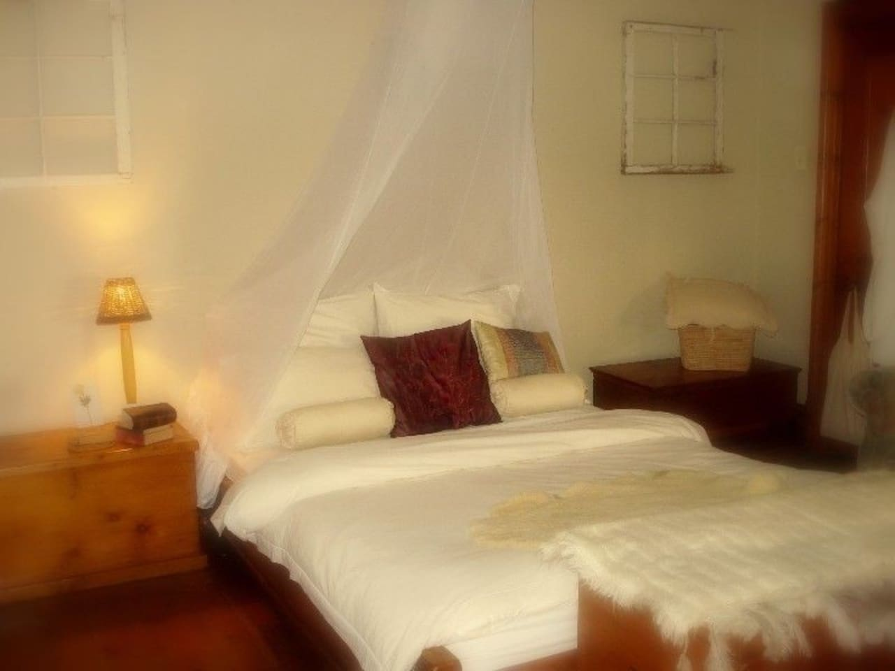 Vintage Victorian cottage - Main Bedroom - where beauty sleep awaits - melsplaceobs@gmail.com