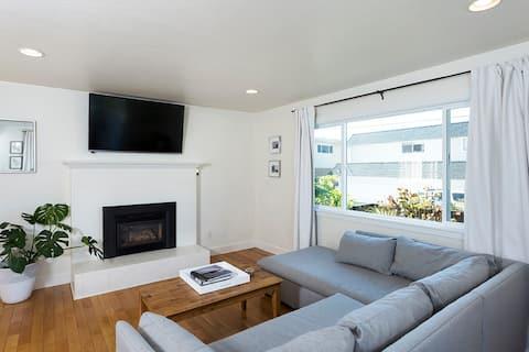 Sunny Seabright Beach House