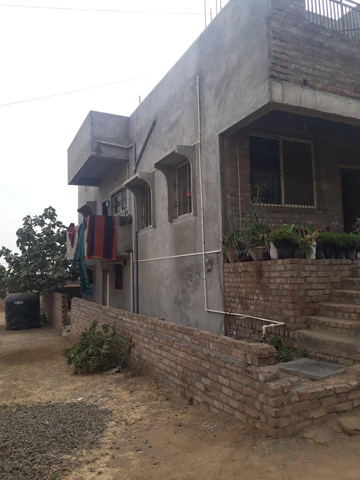 3 Rooms Near gogababa tekdi