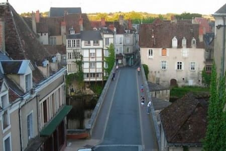 "River views, heart of the town: ""Emertine"" - Argenton-sur-Creuse"