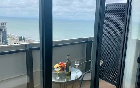 Oceanview fully serviced apartment