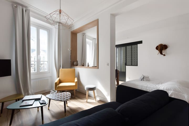 MODERN AND CHARMING APARTMENT - LEFT BANK