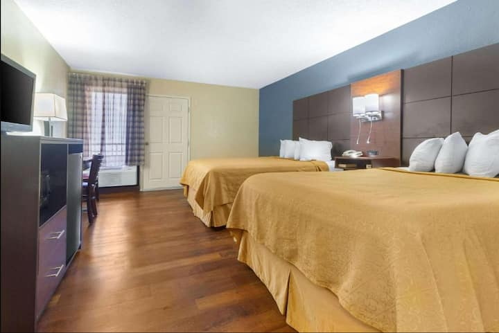 Gorgeous Double Two Double Beds Non Smoking At Gatlinburg