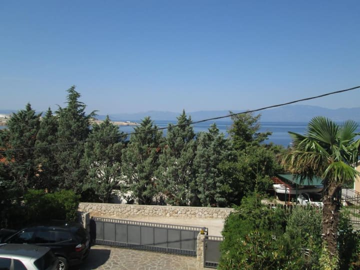 One bedroom apartment with terrace and sea view Omišalj, Krk (A-14121-a)