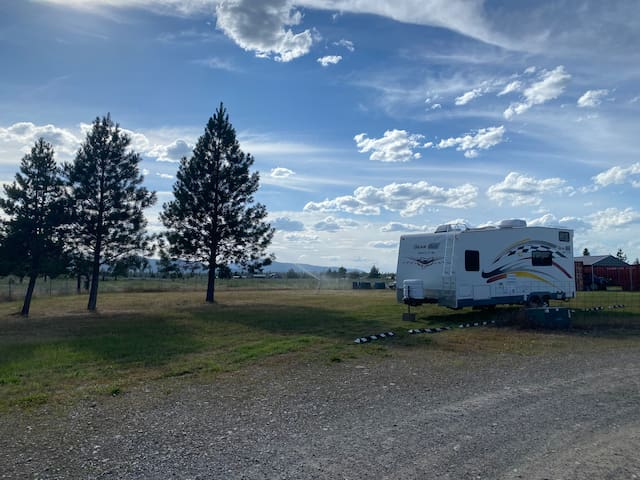 RV stay away from the crowds - Silverwood Guests!