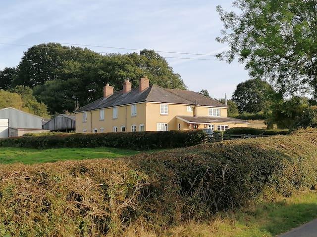 The Farmhouse at Mount Pleasant