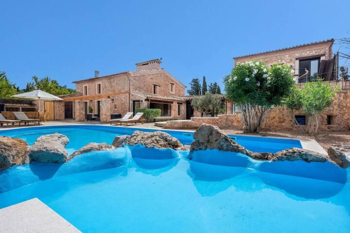 High-end designer style Villa in Santa Maria