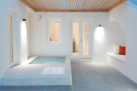 Thiro Suite with outdoor jet tub - 锡拉 - 公寓