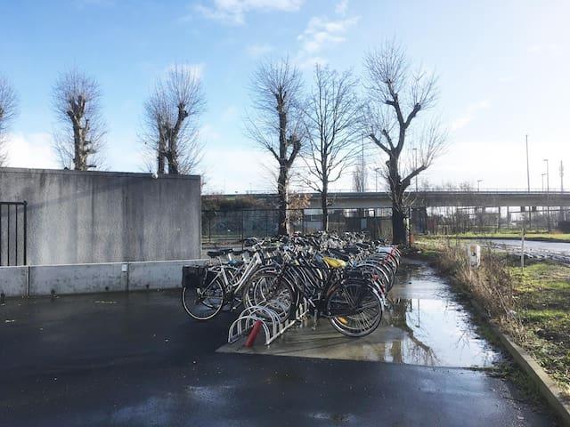 Studio met parking op 1 minuut wandelen UZ