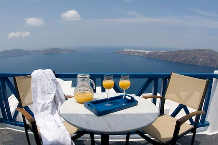 Private Suite with King size bed and Caldera Views - Imerovigli - วิลล่า