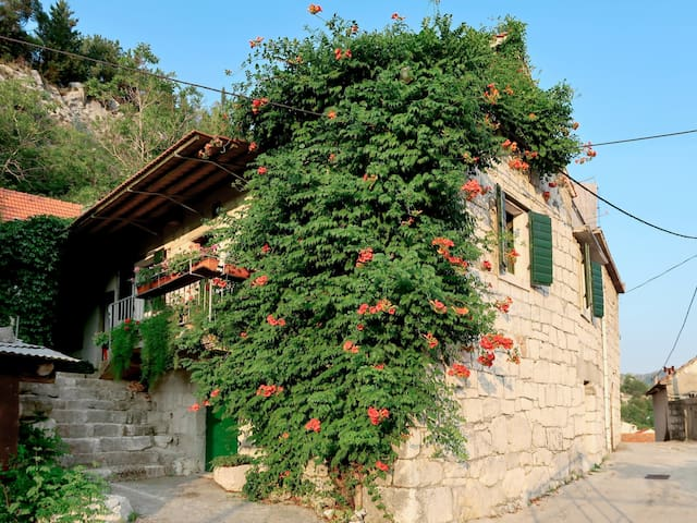 Holiday House Sonja for 4 persons in Omis