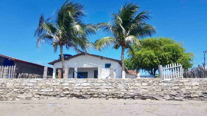 Casinha  na beira do Mar- ICAPUÍ -CE
