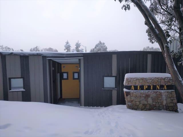 Alpina 2 - Your alpine home.