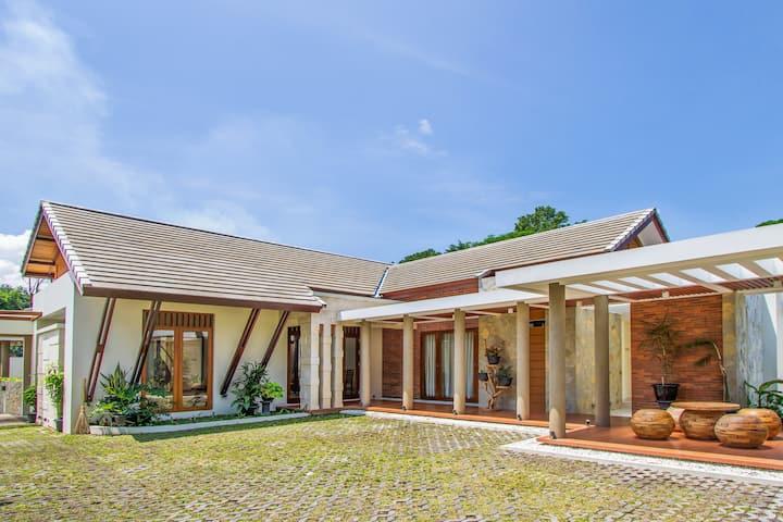 Ndalem Prabawan Private Villa