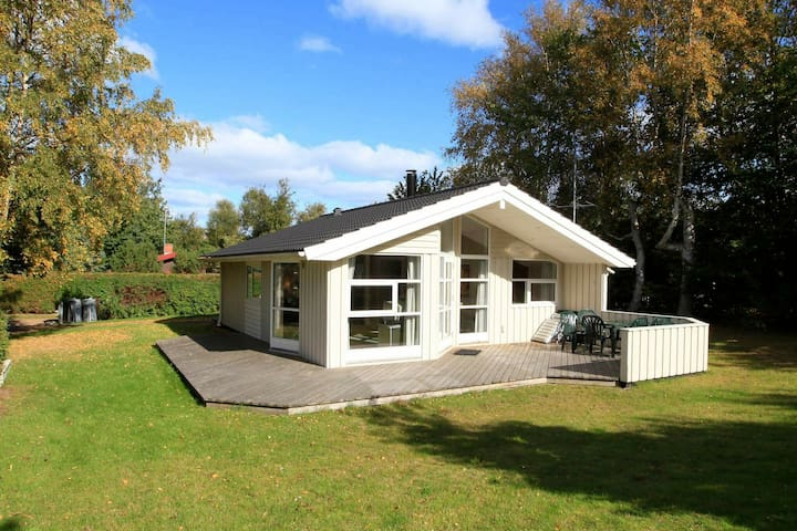 Cozy Holiday Home for 6 in Gilleleje