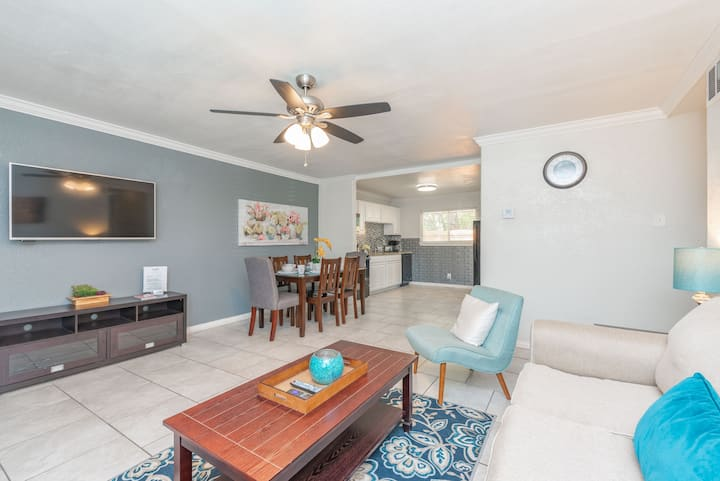 Cozy home by Botanical Gardens & Zoo, 8 min to DT