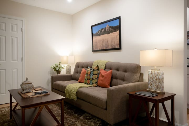 Private Entry Guest Suite in Beautiful Boulder