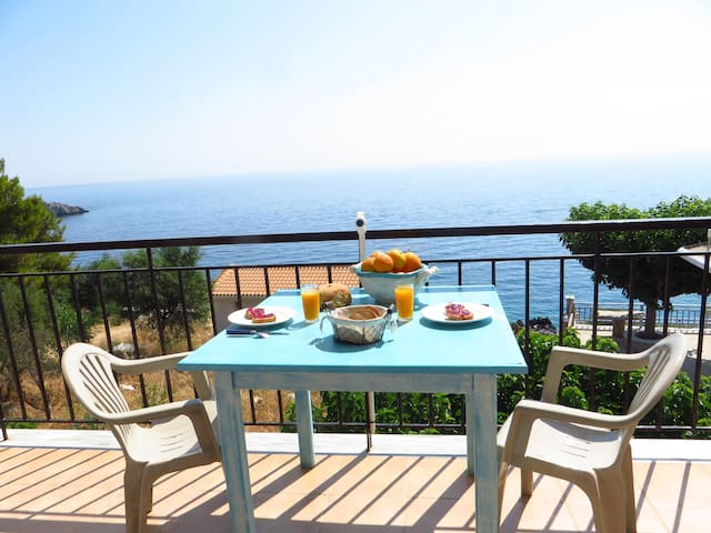 Benetia apartments with private cove & kayak - Agios Nikolaos - Huoneisto
