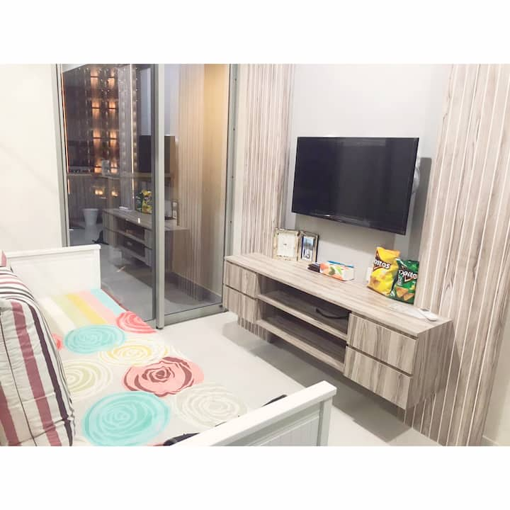 SEA VIEW 2BR Apt Gold Coast PIK Pantai Indah Kapuk
