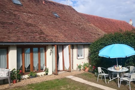 Le Petit Coin, gite for 4, private pool, garden - Auverse
