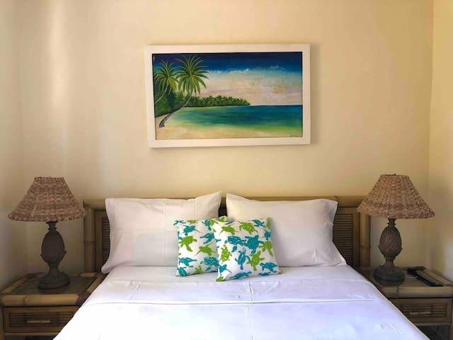 Private Room 1 /22 steps away from your beach