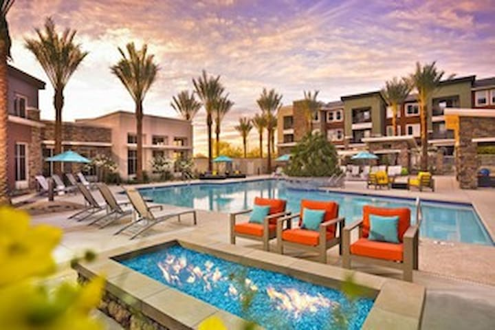 Resort Like Apt With everything you can imagine - Scottsdale - Leilighet