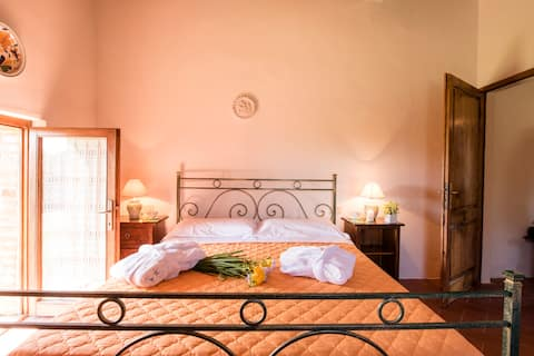 Angolino apartment in Chianti, perfect for 2 !