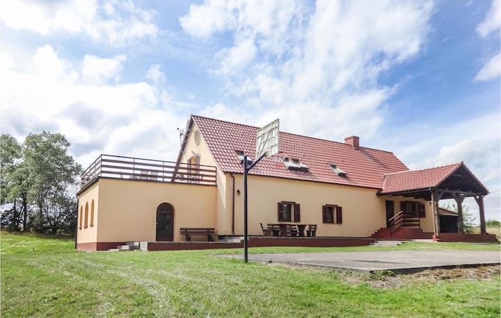 Nice home in Nowe Worowo with Sauna, WiFi and 5 Bedrooms