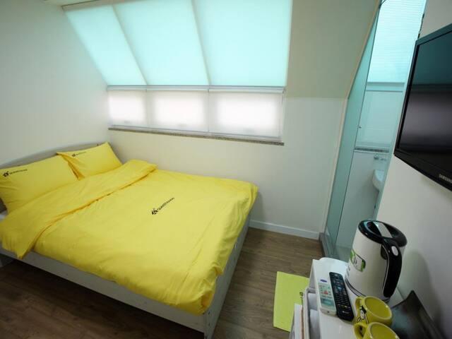 Free Wifi,Breakfast,Double bed clean, myeongdong