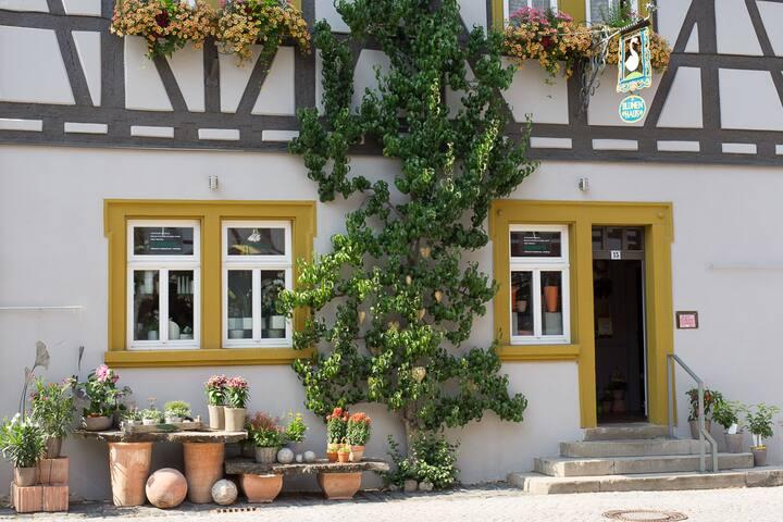 Ferienwohnung Schweizer, (Iphofen), Ferienwohnung, 70qm, 2 Schlafzimmer, max. 4 Personen
