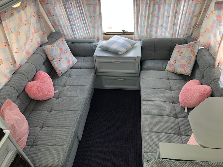 Laura Ashley Caravan. Cosy for 2 plus one child